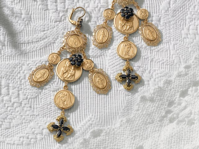 dolce-and-gabbana-jewellery-gold-earrings-religious-subject-black-sapphires-zoom