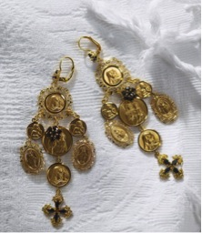 Dolce-Gabbana-Chandelier-earrings