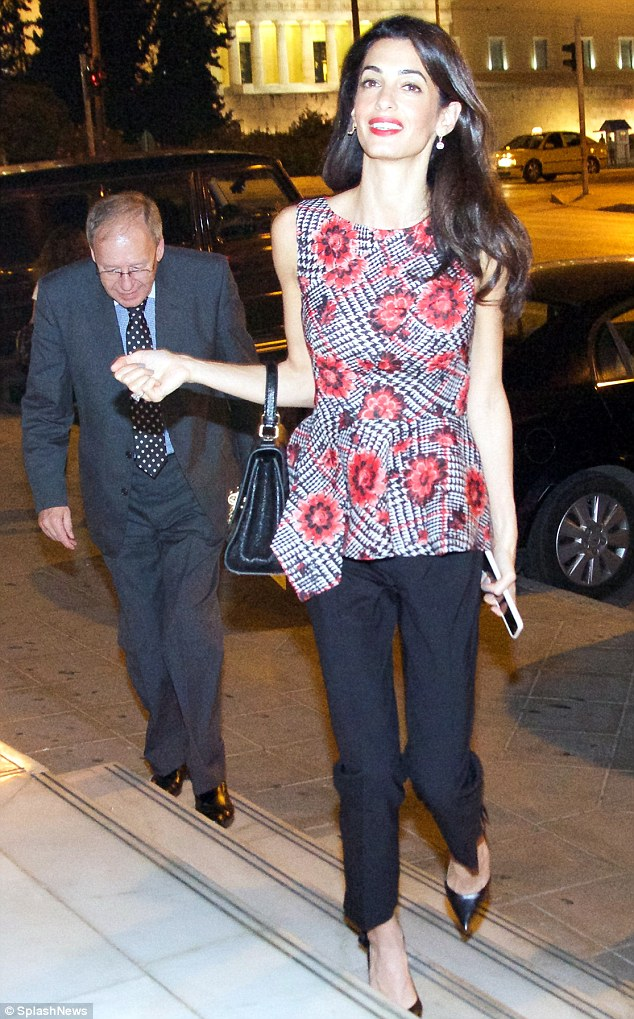 1413533322714_Image_galleryImage_Amal_Clooney_leave_the_vi