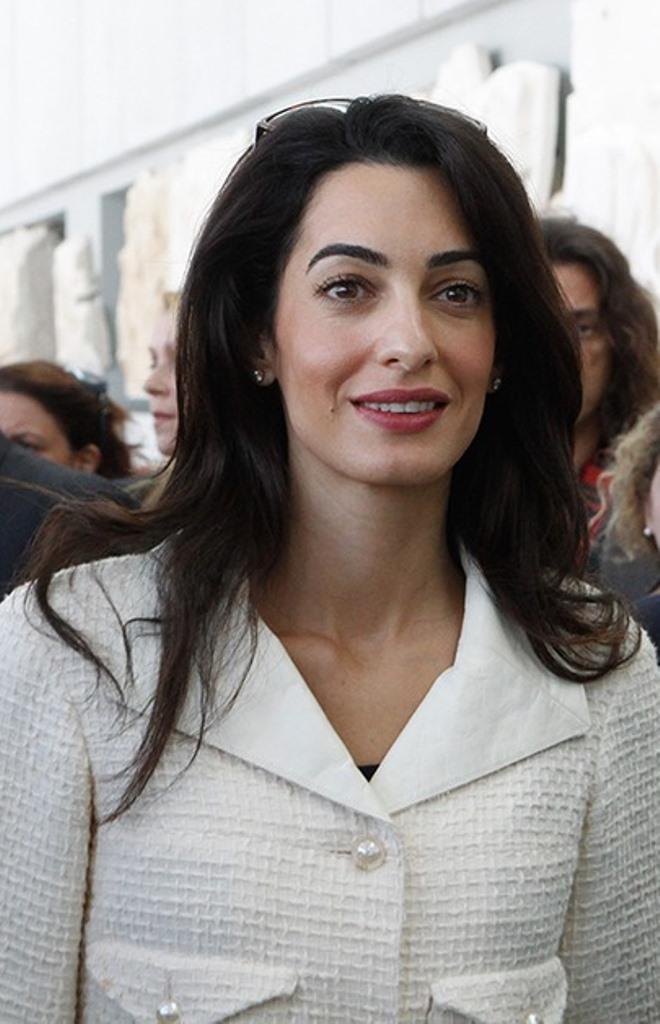 Amal-Clooney-lors-de-sa-visite-au-musee-de-l-Acropole-d-Athenes-le-mercredi-15-octobre-2014 (4)
