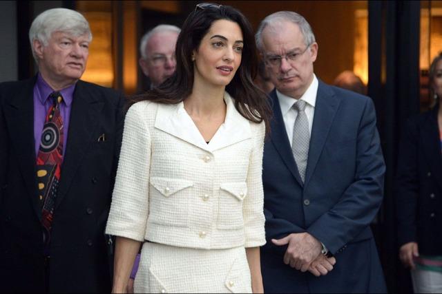Amal-Clooney-lors-de-sa-visite-au-musee-de-l-Acropole-d-Athenes-le-mercredi-15-octobre-2014 (9)