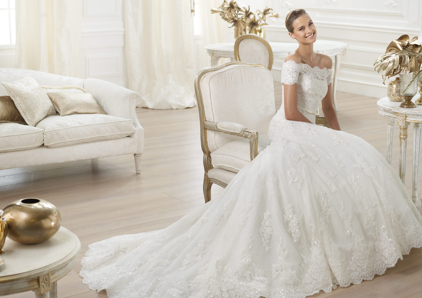 http://www.pronovias.fr/robes-mariee-2014/collection-costura-letour