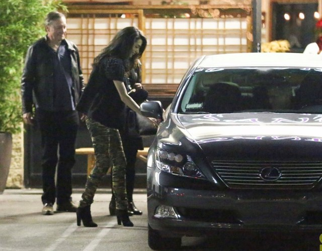 george-clooney-amal-step-out-for-dinner-after-baby-rumors-35