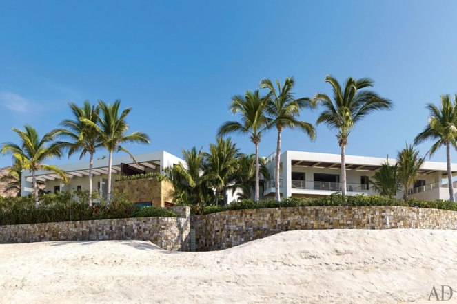 item11_rendition_slideshowHorizontal_cindy-crawford-rande-gerber-03-los-cabos-homes-exterior