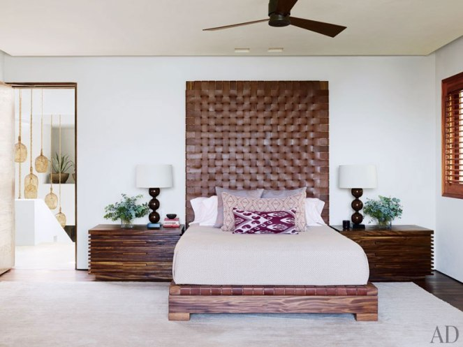 item24_rendition_slideshowVertical_cindy-crawford-rande-gerber-25-george-clooney-master-bedroom