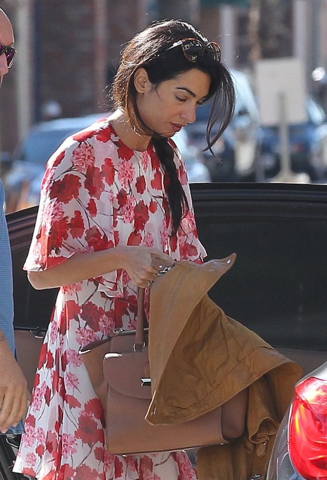 Amal-Alamuddin-Running-Errands-LA-January-2015897