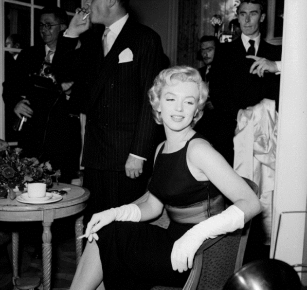 embedded_marilyn_monroe_smoking