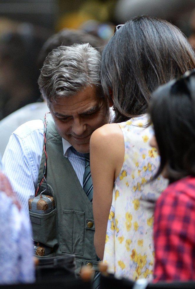 Amal-Alamuddin-Visits-George-Clooney-Money-Monster-Set (13)
