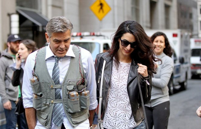 Amal-Alamuddin-Visits-George-Clooney-Set-His-Dog (12)