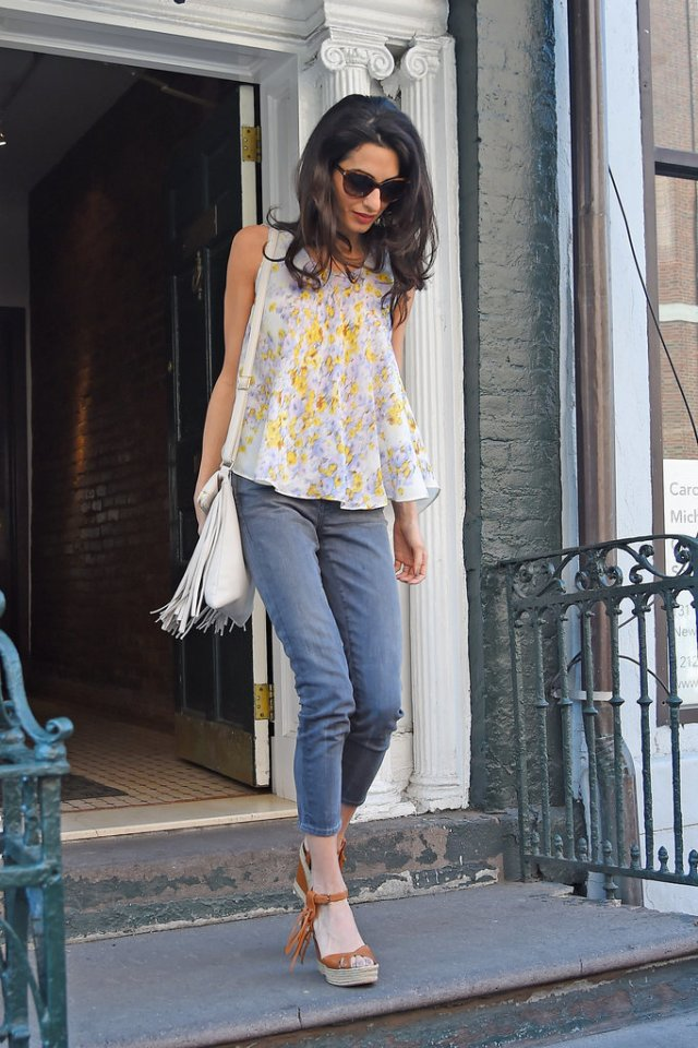 Amal-Clooney-Wearing-Floral-Giambattista-Valli-Top (3)