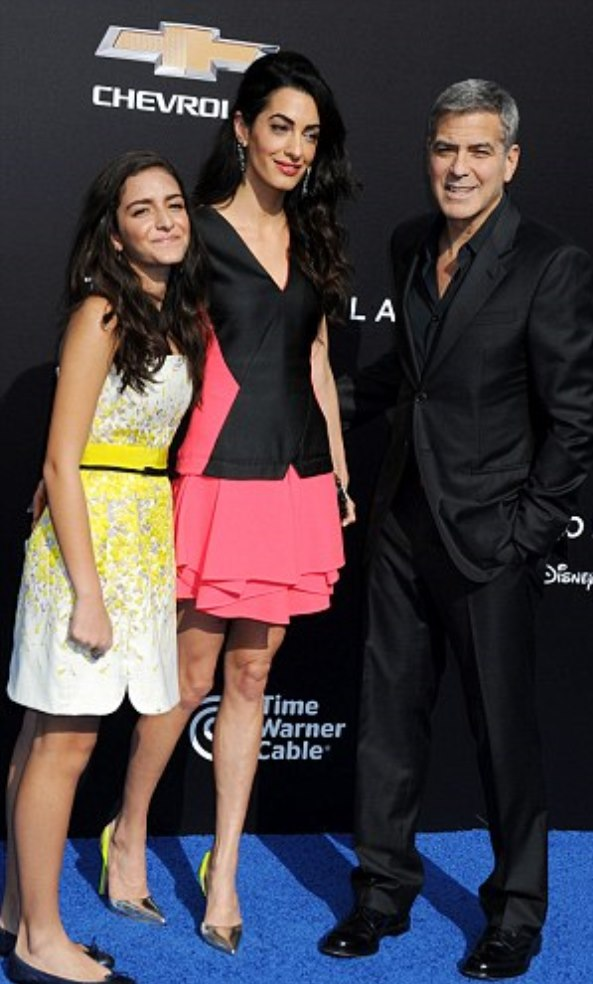 2882274C00000578-0-Family_affair_George_and_Amal_attended_with_her_niece_Mia_Alamud-m-168_1431223953596 (1)