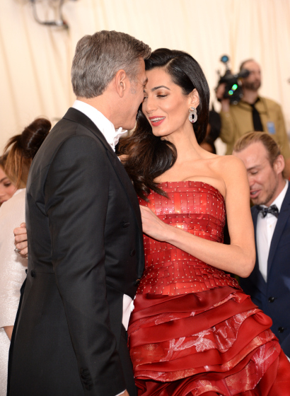 how did george clooney meet amal