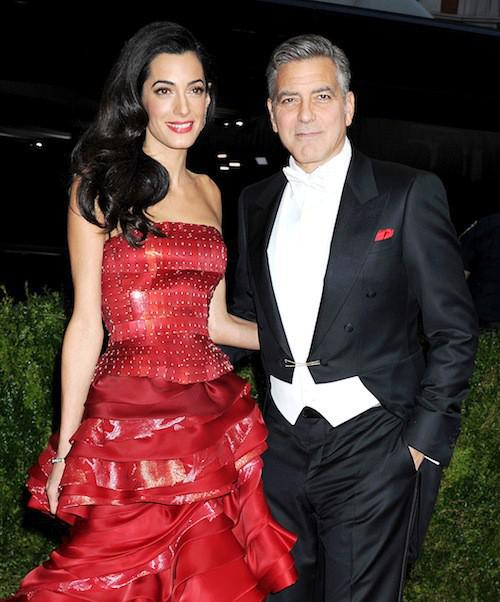 Photos-Met-Gala-2015-Amal-Clooney-amoureuse-et-engagee-elle-rehabilite-John-Galliano_portrait_w674 (6)