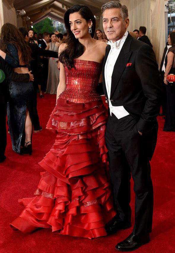 The-couple-turned-heads-as-they-posed-for-photographers-at-the-Chinese-themed-bash-284546