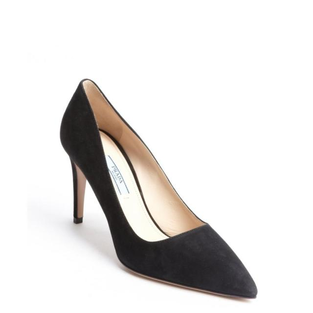 605-Prada-women-s-black-suede-pointed-toe-pumps-1