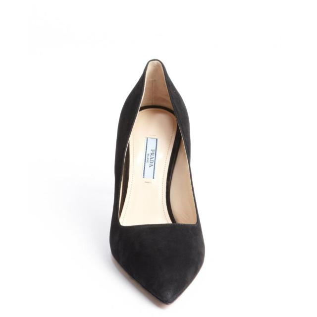 605-Prada-women-s-black-suede-pointed-toe-pumps-4