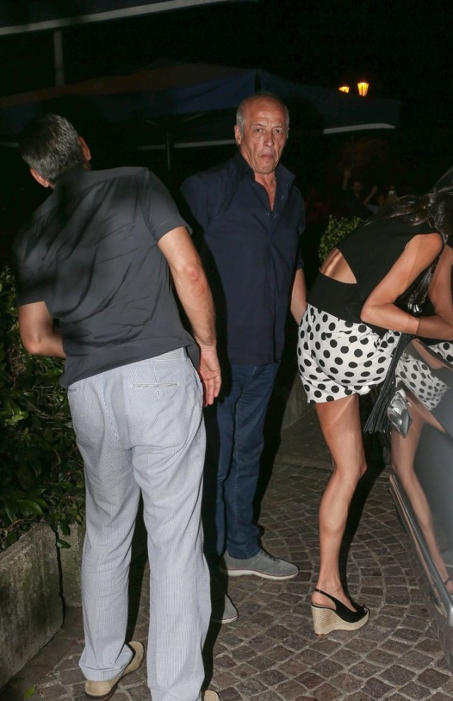 23 lug 2015 - COMO - ITALY *** NOT AVAILABLE FOR ITALY *** GEORGE CLOONEY AND AMAL ALAMUDDIN DINNER IN COMO LAKE BYLINE MUST READ : XPOSUREPHOTOS.COM ***UK CLIENTS - PICTURES CONTAINING CHILDREN PLEASE PIXELATE FACE PRIOR TO PUBLICATION *** **UK CLIENTS MUST CALL PRIOR TO TV OR ONLINE USAGE PLEASE TELEPHONE 44 208 344 2007**