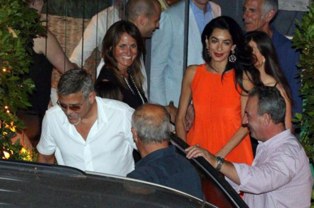 Photos-George-et-Amal-Clooney-une-actrice-americaine-s-invite-dans-leur-paradis-italien-!_portrait_w674