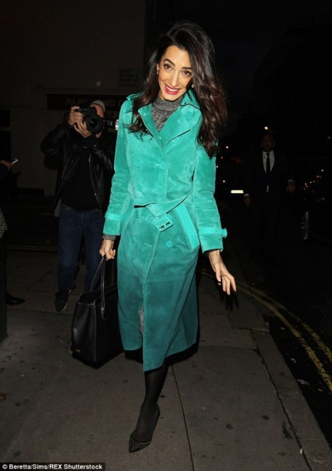 2D2CDCFA00000578-3264079-Amal_Clooney_was_a_vision_in_green_when_she_headed_out_in_London-m-2_1444249416571