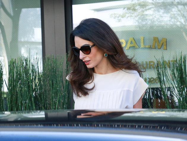 LOS ANGELES, CA - OCTOBER 22: Amal Clooney is seen on October 22, 2015 in Los Angeles, California. (Photo by Bauer-Griffin/GC Images)