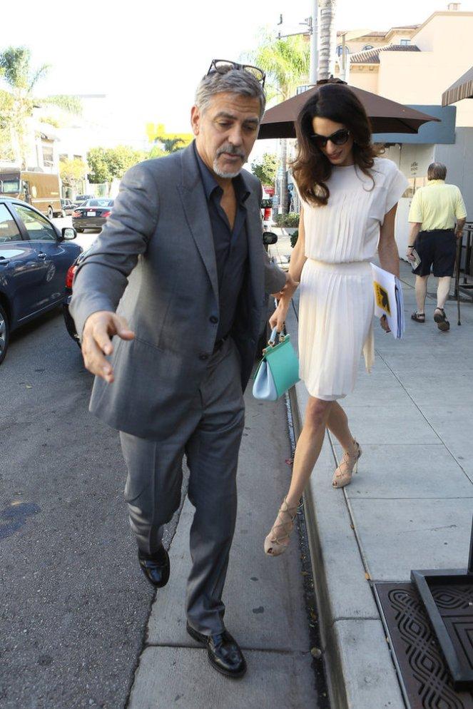 George-et-Amal-Clooney-le-22-octobre-2015_portrait_w674 (1)