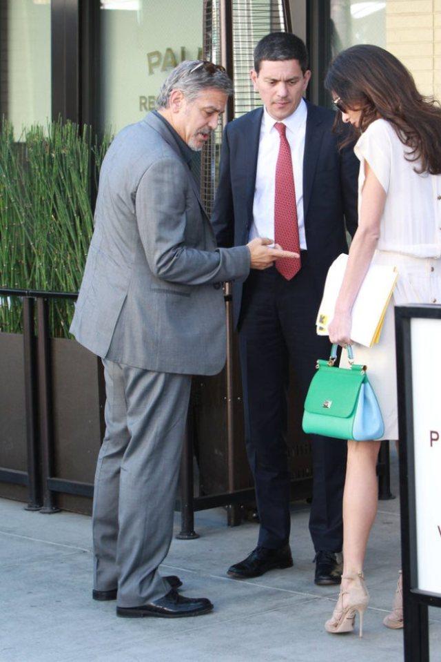George-et-Amal-Clooney-le-22-octobre-2015_portrait_w674 (5)
