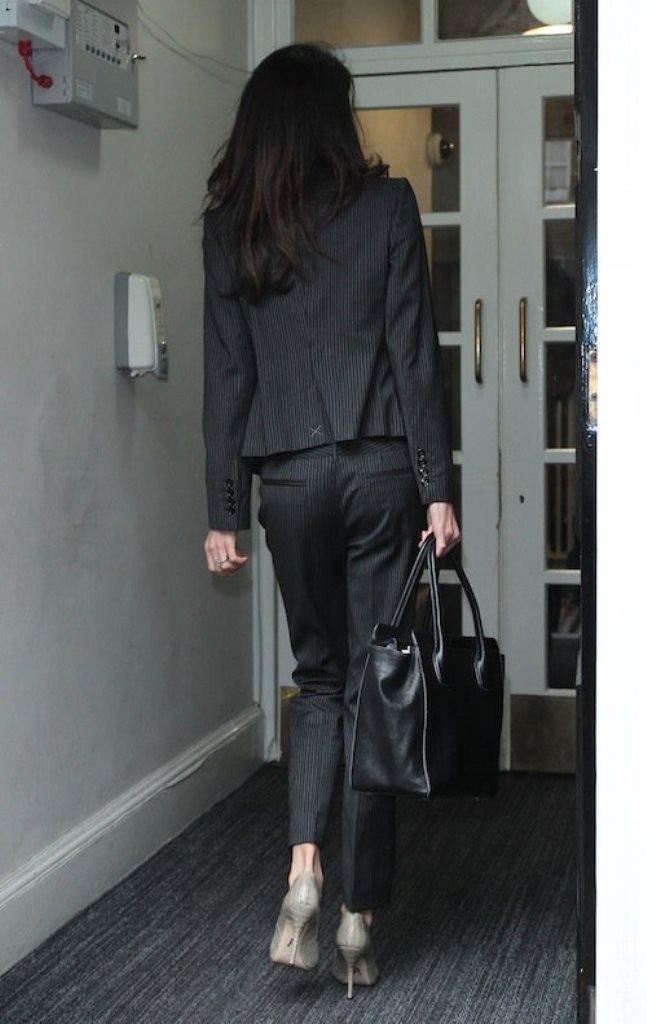 Photos-Amal-Clooney-maigrissime-a-Londres_portrait_w674 (5)