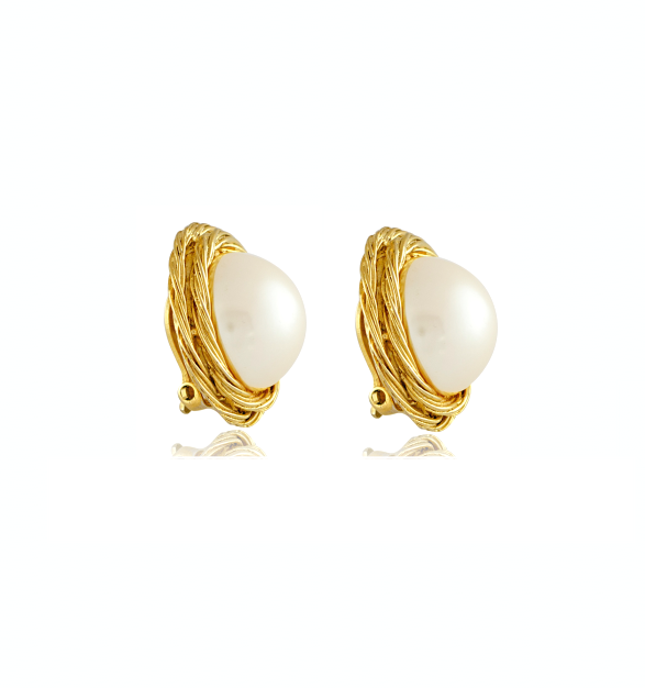 vintage jewelry_vintage givenchy pearl and twisted gold earrings_side