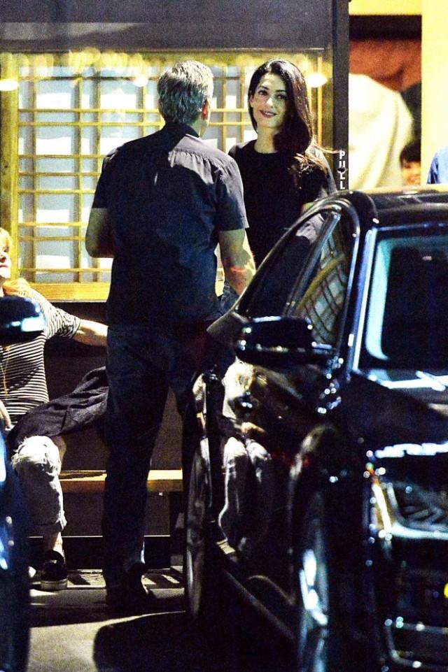 Amal-Clooney-at-Asanebo-Sushi--04-662x995