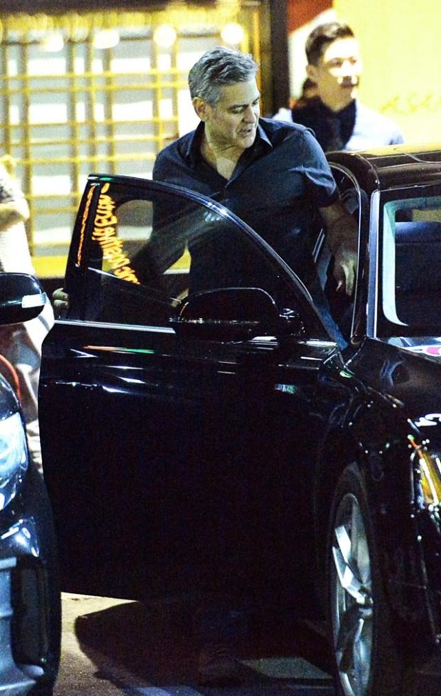 Amal-Clooney-at-Asanebo-Sushi--12-662x1044