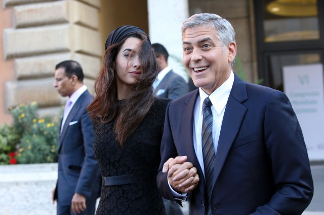 Amal-Clooney-Black-Lace-Dress-Seminary-Pope-Francis (4)