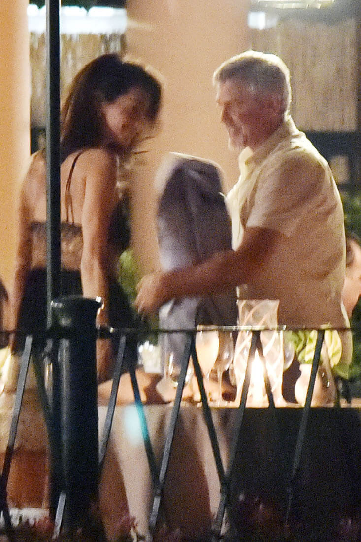 Amal and George Clooney enjoying a romantic Dinner in ...