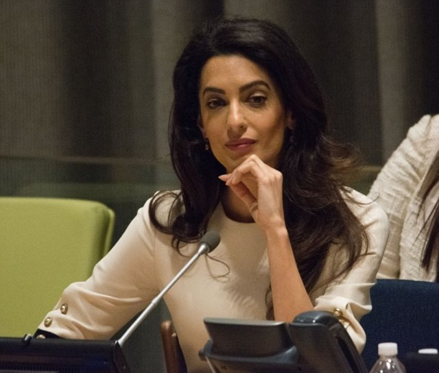 3876bb9e00000578-3798929-mrs_clooney_is_also_seen_to_president_assad_on_trial_saying_if_t-m-8_1474401788079