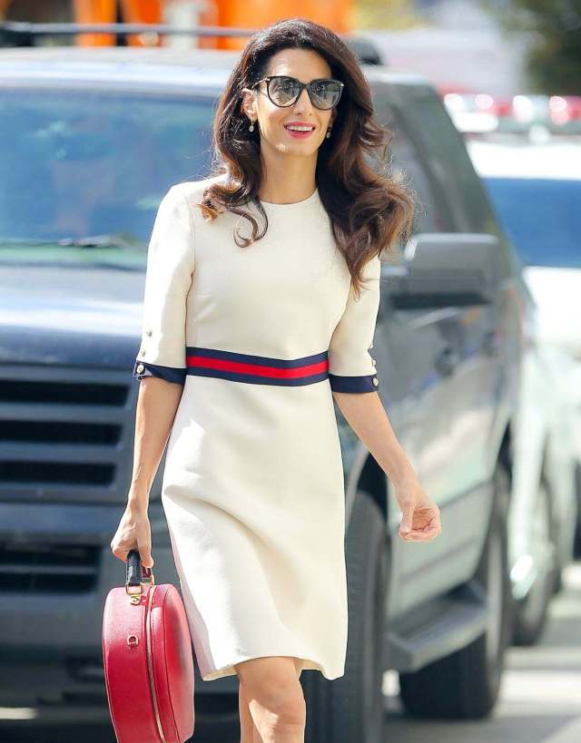 amal-clooney-in-a-gucci-dress-out-in-new-york-september-20-2016_223040349