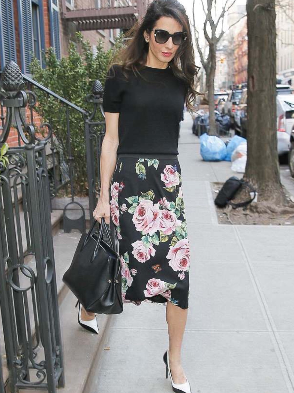 3ceb564fc4d9 Amal Clooney spotted leaving her appartment in SoHo 11.04.2018